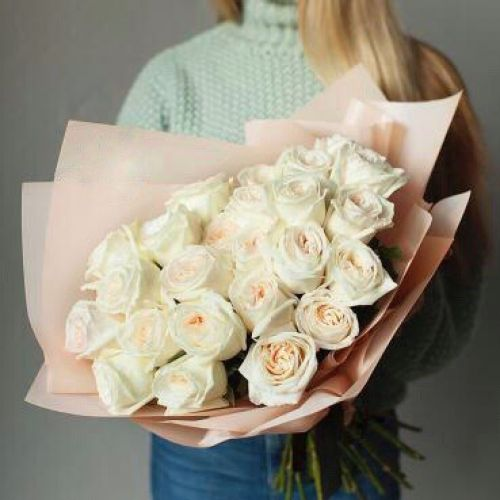 Купить на заказ Букет из 31 белой розы с доставкой в Сарани