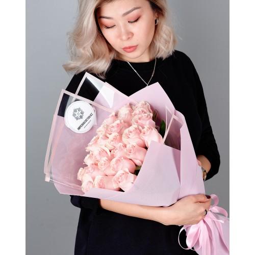Купить на заказ Букет из 25 розовых роз с доставкой в Сарани