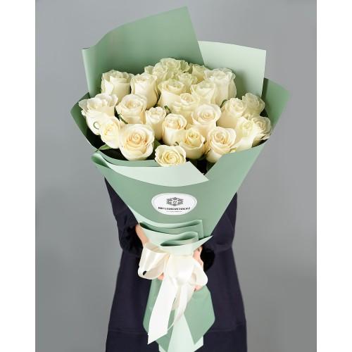 Купить на заказ Букет из 25 белых роз с доставкой в Сарани