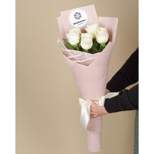 Купить на заказ Букет из 5 роз с доставкой в Сарани