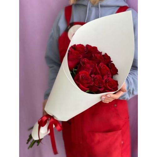 Купить на заказ Букет из 11 красных роз с доставкой в Сарани