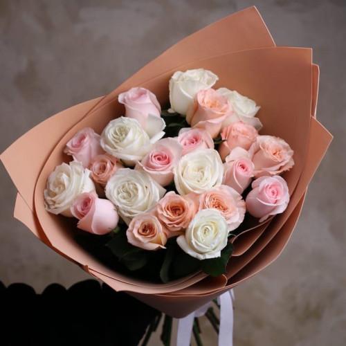 Купить на заказ Букет из 21 розы (микс) с доставкой в Сарани