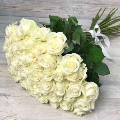 Купить на заказ Букет из 51 белой розы с доставкой в Сарани